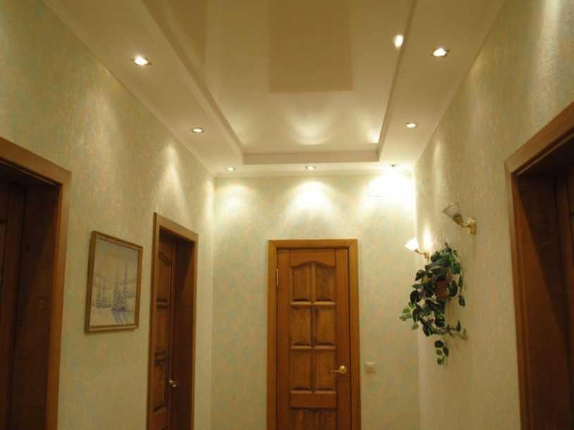 Натяжные потолки в прихожей: как правильно создать стильный дизайн потолков для прихожей